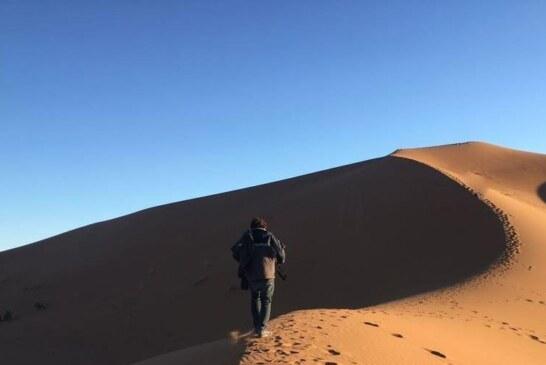 كثبان محاميد الغزلان وجهة الالاف السياح في مطلع العم الجديد
