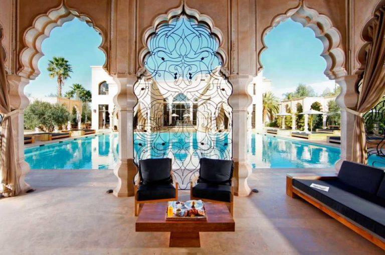 """أزمة كورونا"""" تجبر فنادق مغربية على """"طرد مستخدمين موسميين""""."""